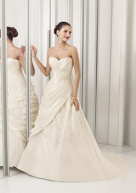 Asian bridesmaid dresses for Asian inspired wedding dress