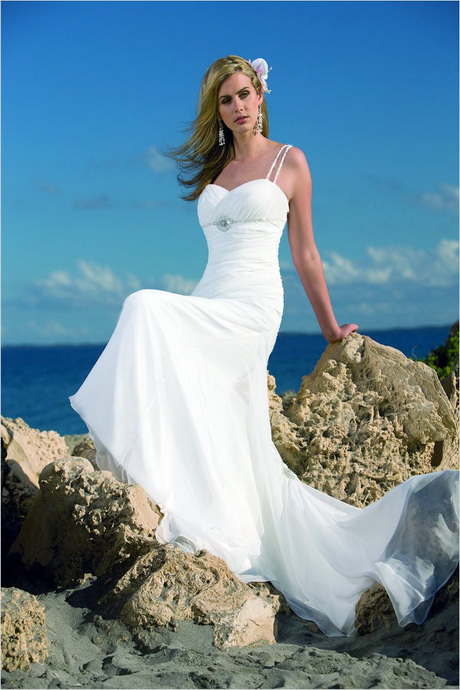 Best Wedding Dresses For Beach Weddings