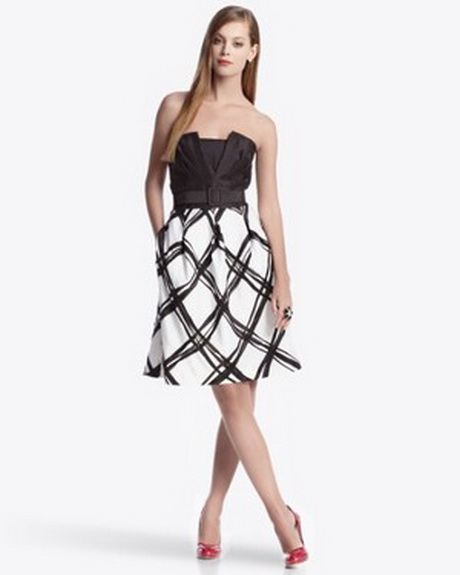 White House Black Market is a fashion boutique specializing in women's apparel and accessories. It is popular among customers for offering trendy clothing in only black, white and ivory allowing individuality to grow from these three hues.
