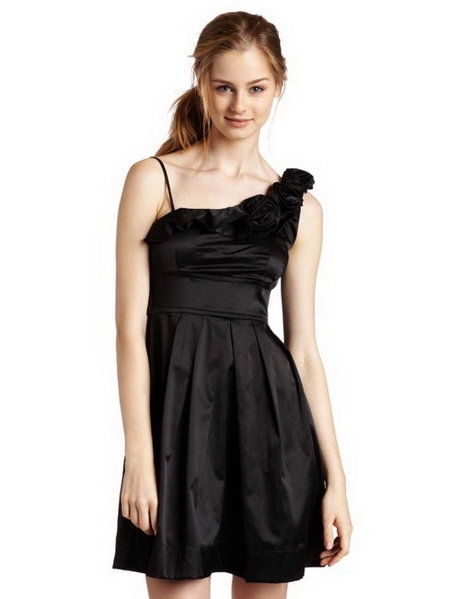 Youâ ll find the perfect womenâ s cocktail & party dresses at Express! Youâ ll be the life of the party in our dresses, with formal and semi-formal styles! Whether youâ re going out with friends or attending a formal occasion, youâ ll be dressed to impress.