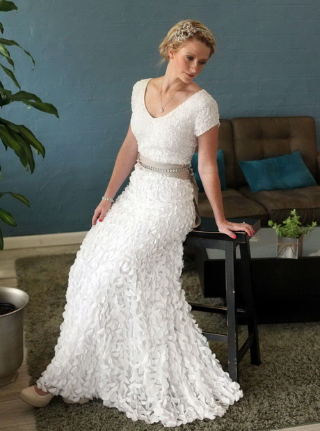 Bridal dresses for older brides for Wedding dresses for older plus size brides