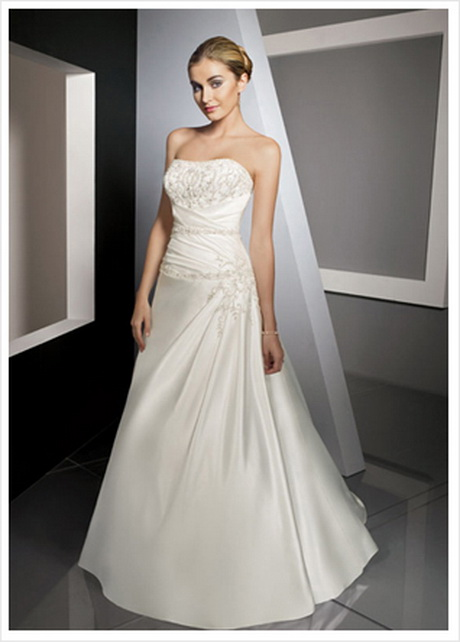 Wedding dresses for petite girls inspiration for Petite wedding dress designers