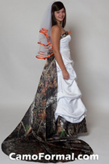 Camouflage wedding dresses for Camo accented wedding dresses