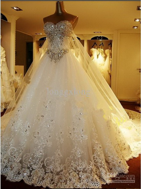 Famous wedding dresses designers for Famous wedding dress designers