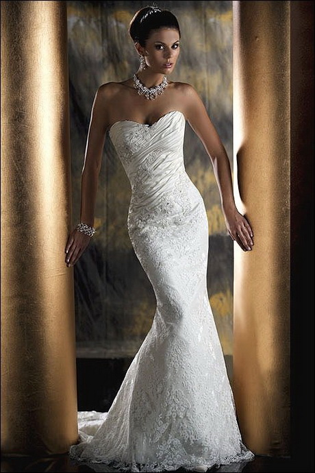 Fitted wedding dresses for Simple form fitting wedding dresses