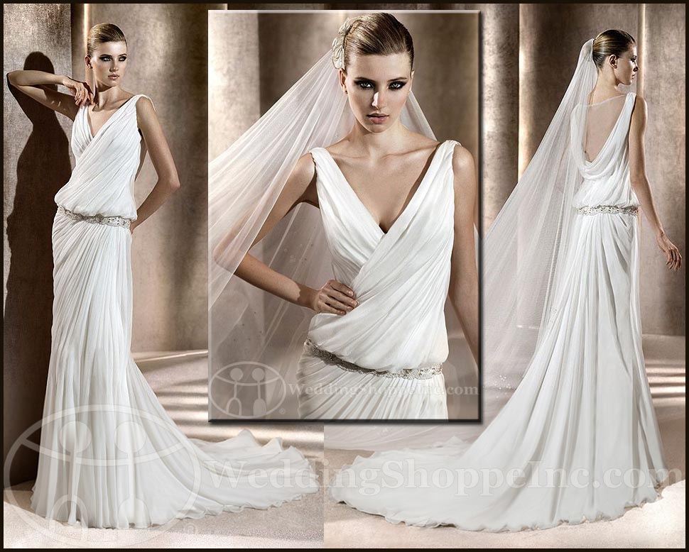 Grecian wedding gown: Pronovias Badil