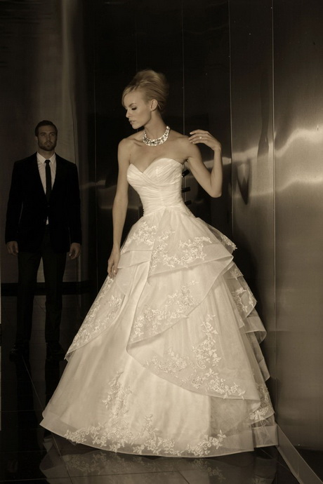 Haute couture wedding gowns for Haute couture wedding dresses