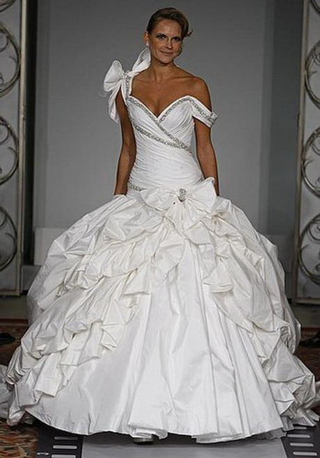 Kleinfelds wedding dresses for Kleinfeld wedding dress designers