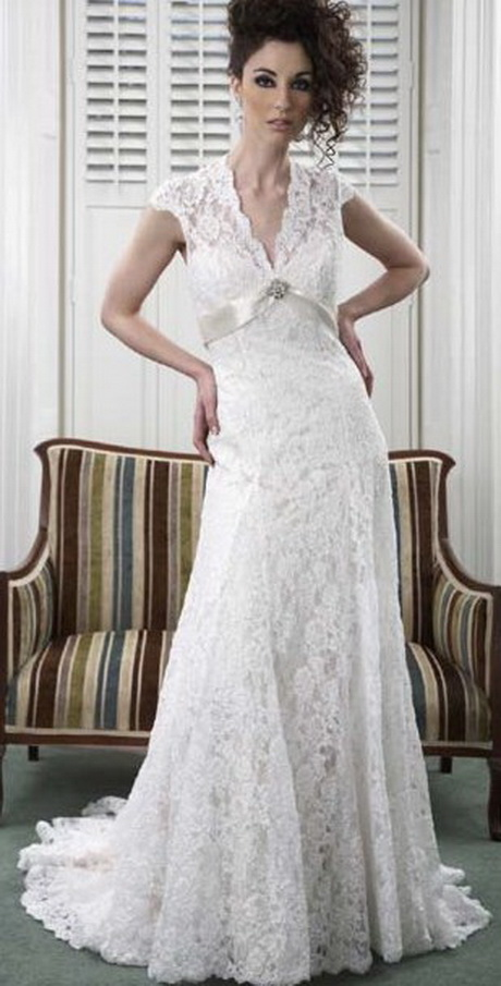 Lace vintage style wedding dress for Vintage looking wedding dress