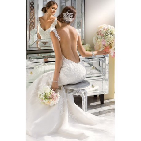 Low back lace wedding dress for Low cut mermaid wedding dress