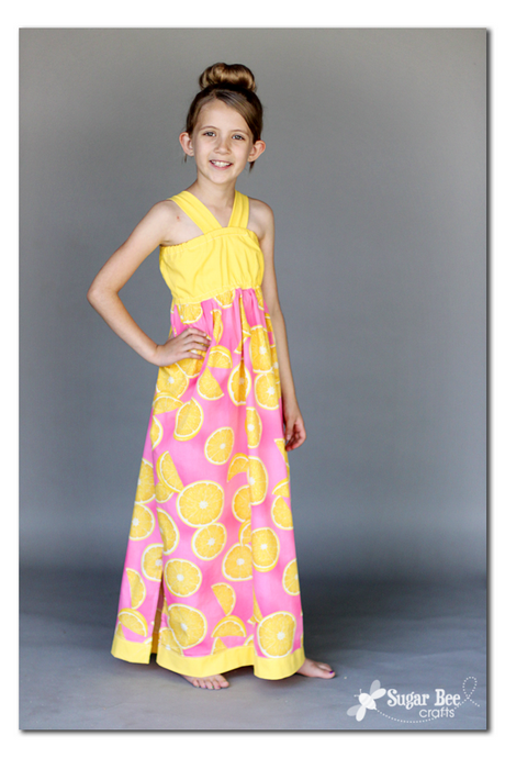 Find maxi dresses for family events or sun dresses for summer fun. Find stripes, florals, lace and bold patterns to suit her style. From sleek sheaths to floaty shift dresses or preppy shirt dresses, we've got dresses for teens that will appeal to any sense of style. Don't forget to look for shoes, handbags, jewelry and other accessories to go.