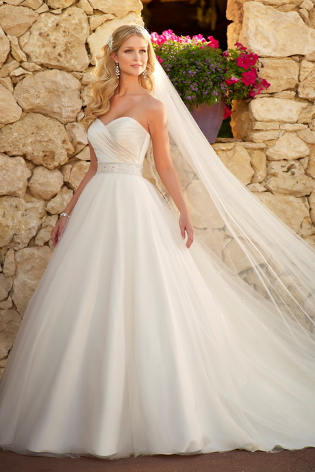 Outdoor wedding dresses for Dress for outside wedding