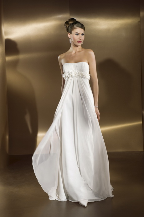 Petite wedding gowns for Best wedding dresses for petites