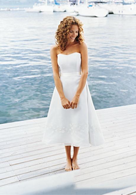 Simple beach wedding dress ideas for Hawaiian wedding dresses informal