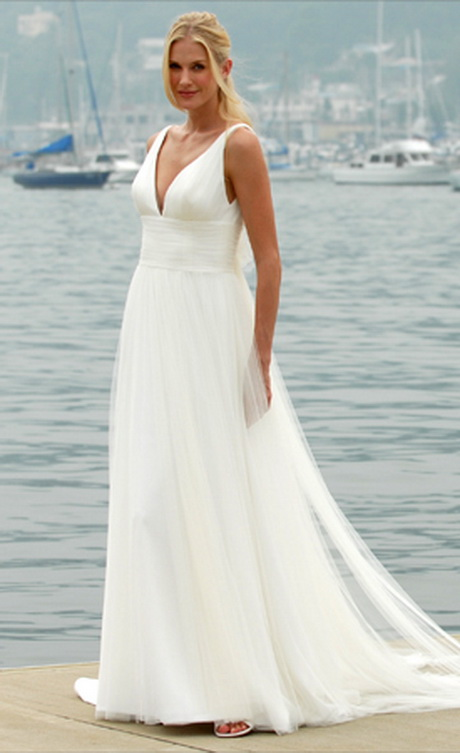 Simple wedding dress for beach wedding for Wedding dresses casual beach