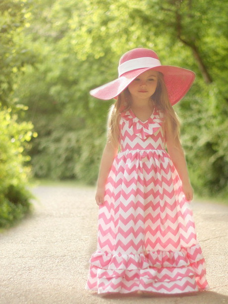 Browse our extensive selection of girls' maxi dresses for a few new staples to your gal's wardrobe. This floor-length silhouette is breezy, cute and always in style, and we've got plenty of adorable styles in a variety of fun designs.