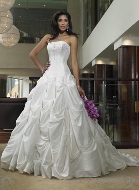 Where To Hire Wedding Dresses 38