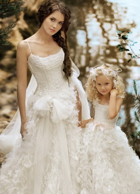Wedding dresses for little girls for Matching wedding and flower girl dresses