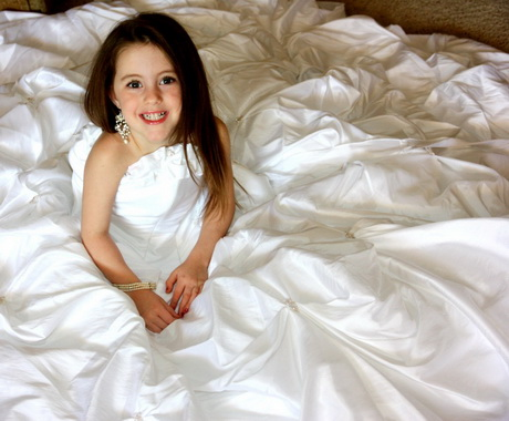 Young Girls In Wedding Dresses 12