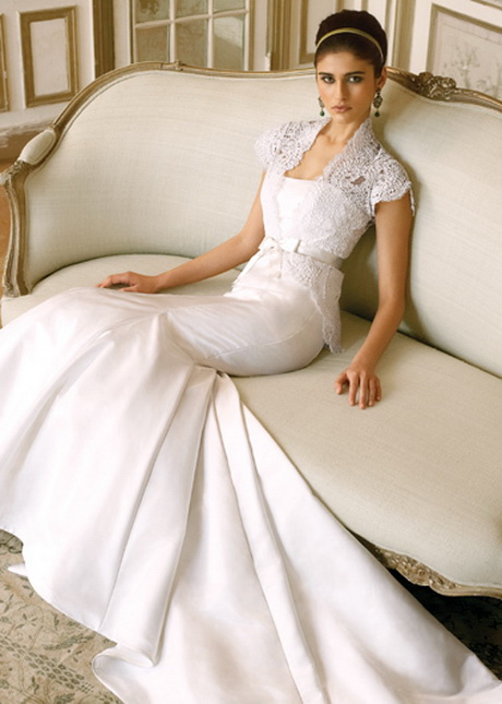 wedding gowns for mature bride are or should be of a more decent