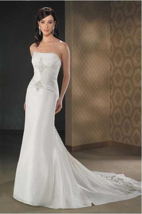 Best wedding dress designers for Designer wedding dresses uk