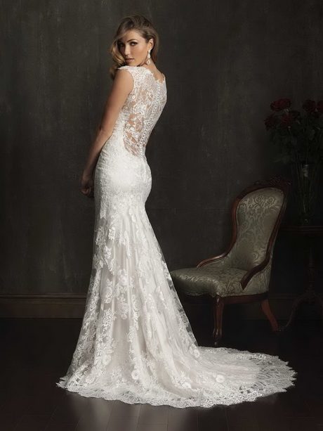 Lace low back wedding dress for Lace low back wedding dress