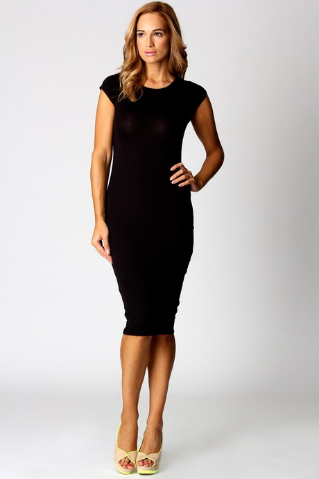Обтягивающее платье с коротким рукавом