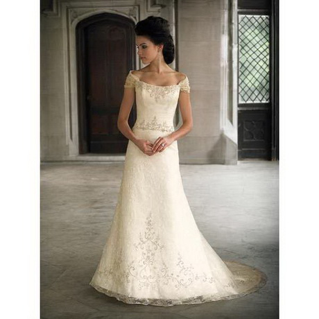 wedding dresses for short women