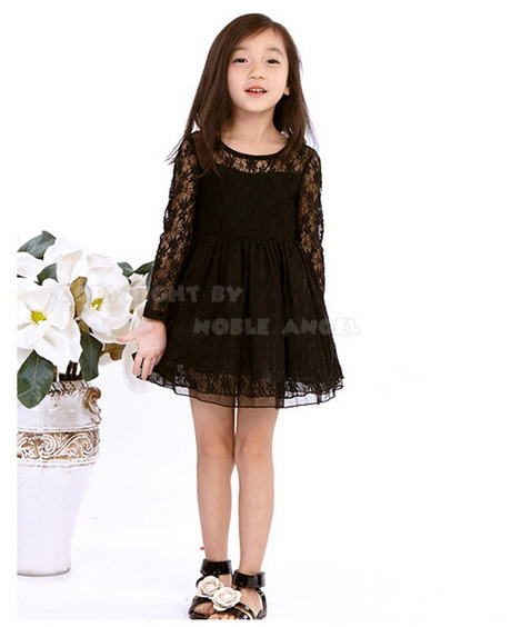Shop girlsâ dresses that are perfect for formal or casual events. Whether she needs a sun dress for a warm summer day or a formal dress for a special occasion, you can find all the little girlsâ dresses she needs for a well-rounded wardrobe. Sears has a great variety of dresses for any style.