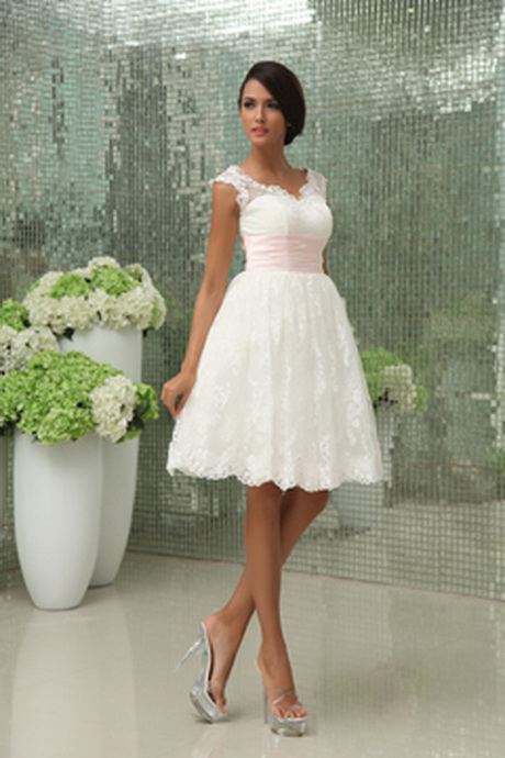 Casual short wedding dresses for Short wedding dresses uk