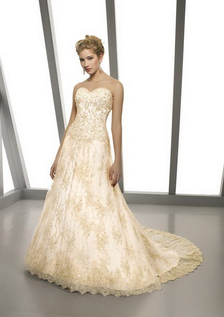Chantilly lace wedding dress for Chantilly lace wedding dress