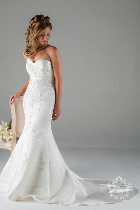 Wedding dress fishtail lace uk wedding dresses asian for Fishtail wedding dress