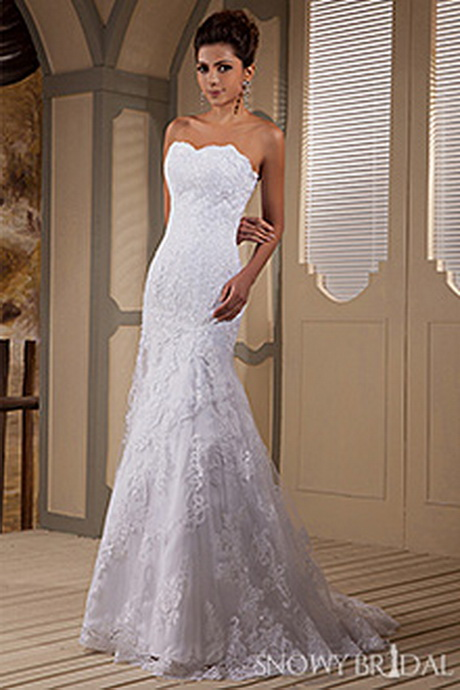 Lace fitted wedding dresses