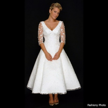 Short wedding dresses for older brides for Older brides wedding dresses