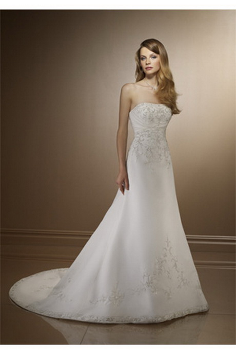 Wedding gowns for short brides for Good wedding dresses for short brides