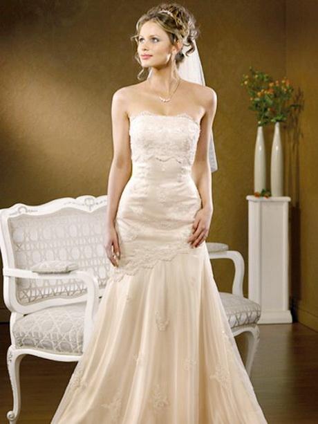 Cream lace wedding dresses for Simple cream colored wedding dresses