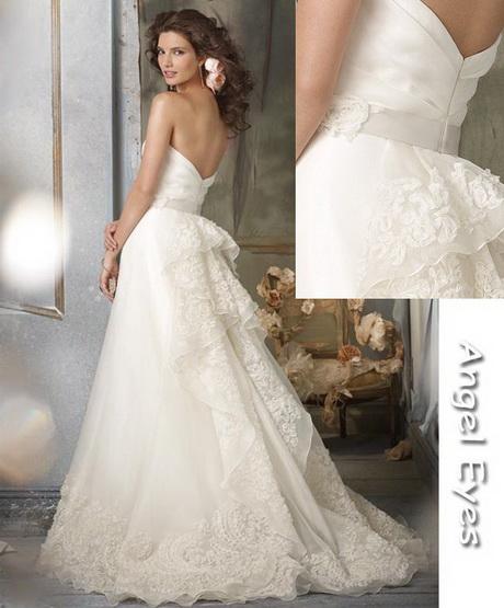 Lace designer wedding dresses for Spanish wedding dress designers