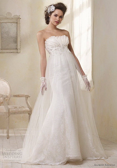 Modern vintage lace wedding dresses for Modern vintage lace wedding dress