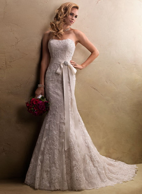 Slim Lace Wedding Dresses