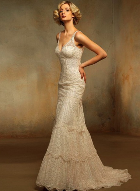 Vintage style lace wedding dresses for Antique inspired wedding dresses