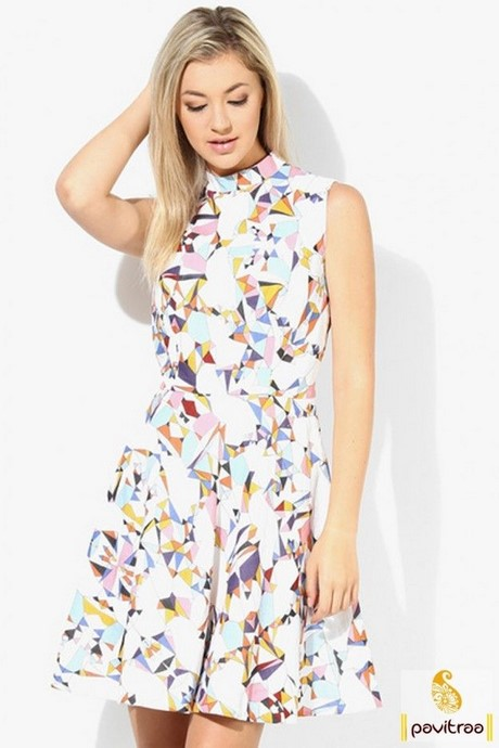 ModCloth's assortment of casual dresses is so astonishing, you might feel inclined to believe is all just a myth! Click through pages of casual day dresses to discover for yourself the sweet reality of our fun frock .