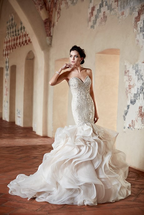 Designer wedding dresses 2017 for Top wedding dress designers 2017