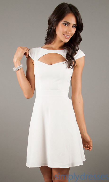 Short white dress with sleeves