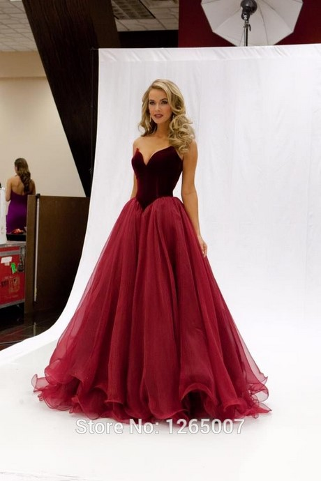 Special Occasion Dresses. Be the style star at your next formal event. Discover gorgeous special occasion dresses to play up glam style. From one-shoulder dresses to floor-length gowns, find a stunning frock that stands humorrmundiall.ga be sure to get the perfect shoes and accessories to match!