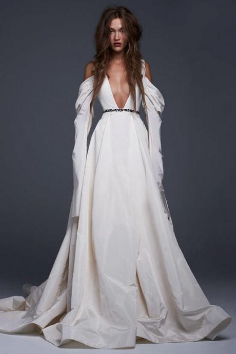 Wedding dresses 2017 vera wang for Vera wang beach wedding dress