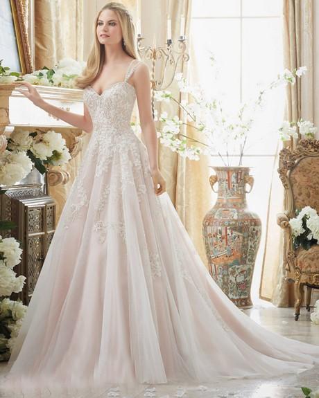 Wedding dresses designers 2017 for Top wedding dress designers 2017