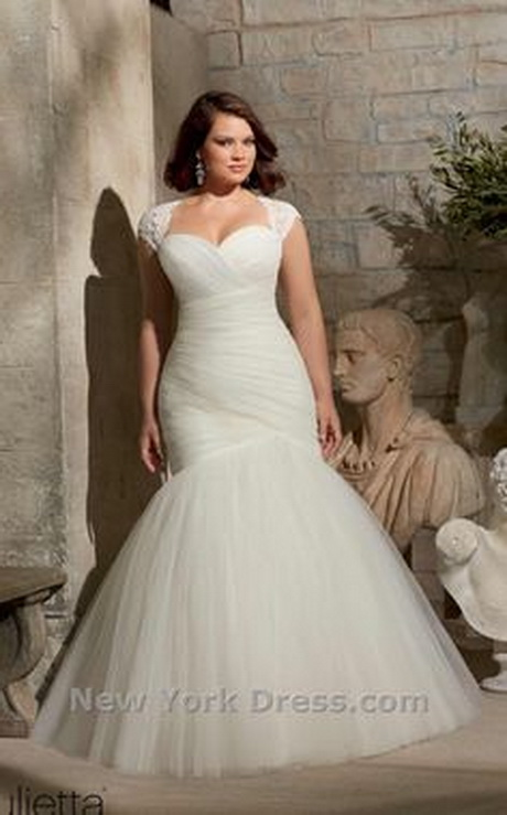Wedding dresses for chubby brides for Wedding dresses for big women