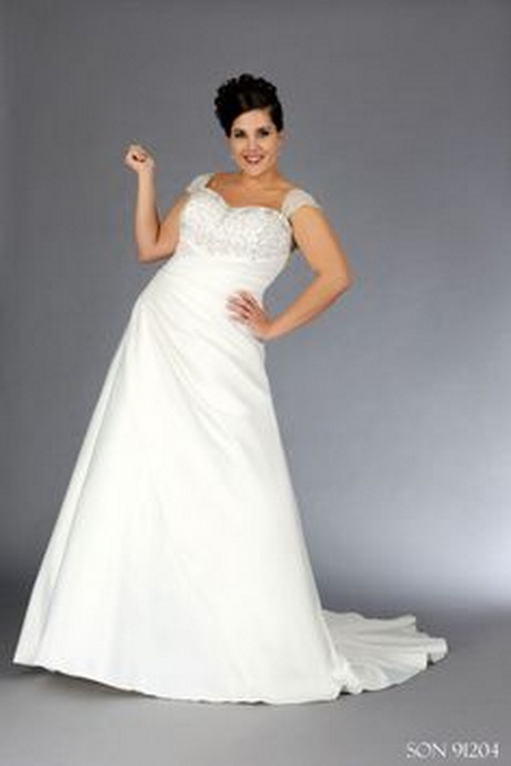 Wedding dresses for full figured women for Full size wedding dresses