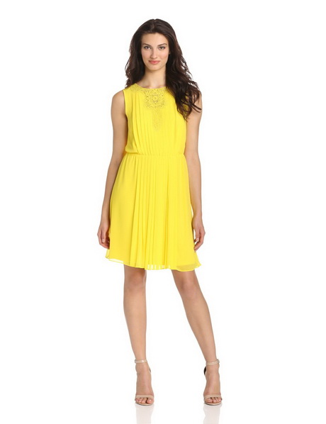 Yellow Prom Gowns and Homecoming Party Dresses. Light up any room in one of these stunning yellow prom dresses or yellow homecoming dresses. Available in many styles and lengths, this collection of dresses in yellow offers beautiful long evening gowns, trendy short two-piece yellow party dresses, and strapless high-low yellow dresses adorned with vibrant floral designs.