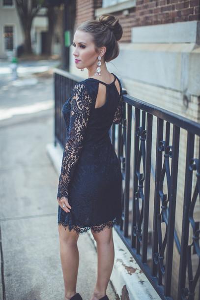Black lace dress wedding guest for Black guest wedding dresses